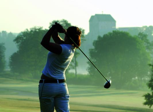 Golf i Kastelholm, bild Visit Åland