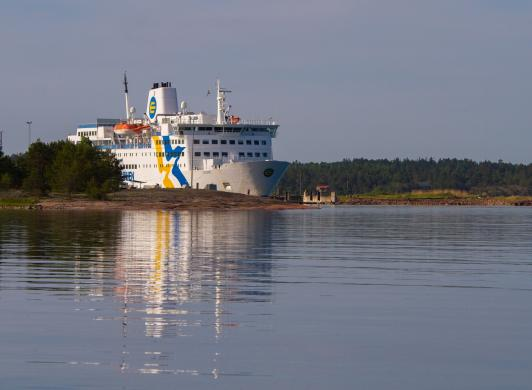 Ta Eckerö Linjen mellan Åland och Grisslehamn