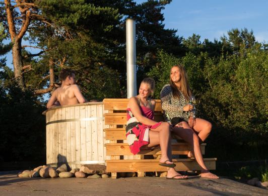 Vildmarksbad vid Strandby och Käringsund